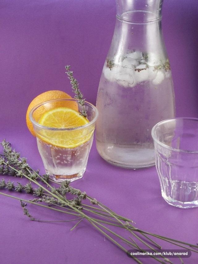 Pomorandža i lavanda votka tonik