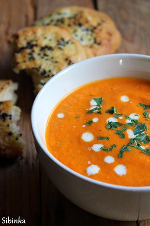 Kremasta juha od rajčice i turske lepinje s jogurtom by Mucika