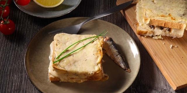 Francuski sendvič sa sardinama