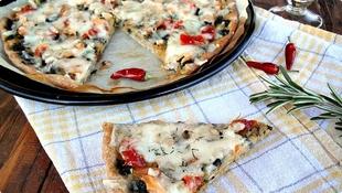 Pizza sa dimljenim lososom