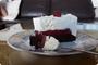 Torta s malinama i bijelom čokoladom