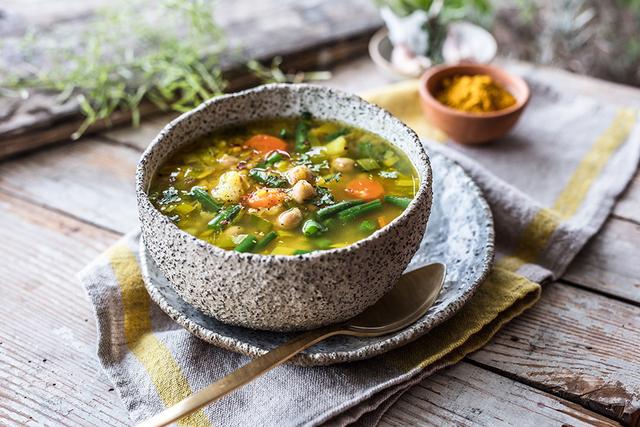 Okrepljujuća juha s kurkumom