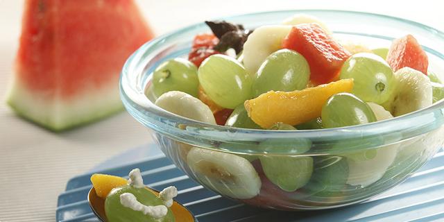 Dječja voćna salata s grožđem