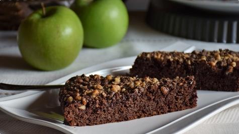 Čokoladni kolač sa rendanim jabukama Zorkazorka