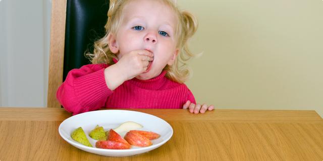 Uvođenje voća u prehranu djeteta