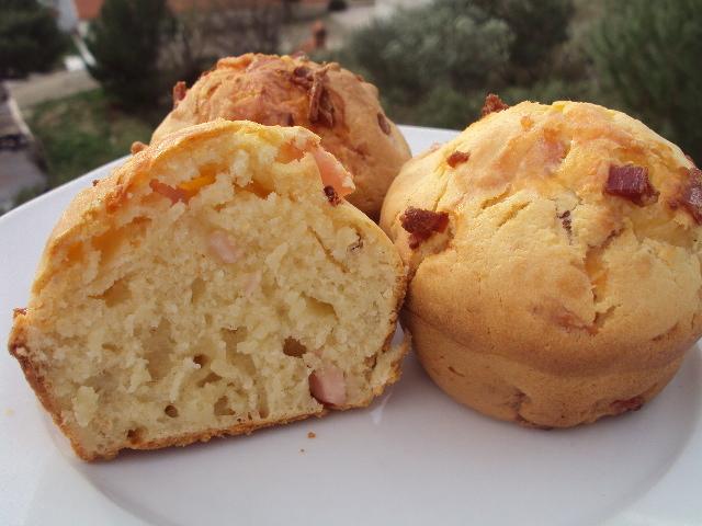 Muffini sa sirom i šunkom - betinna