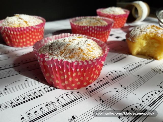 Sočni muffini s narančom i limunom