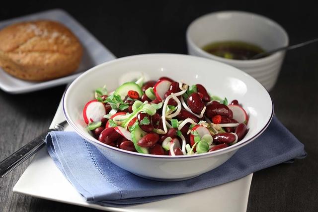 Salata s crvenim grahom