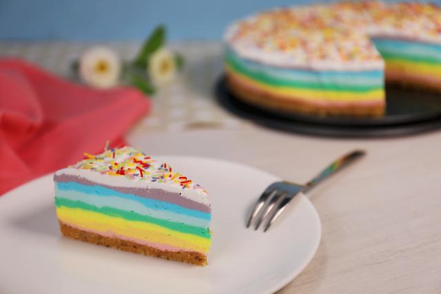 Veseli cheesecake duginih boja