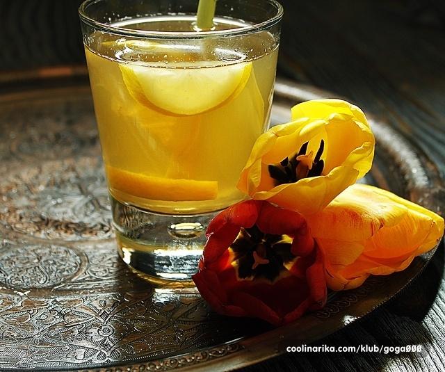 Ledeni čaj s limunskom travom i đumbirom